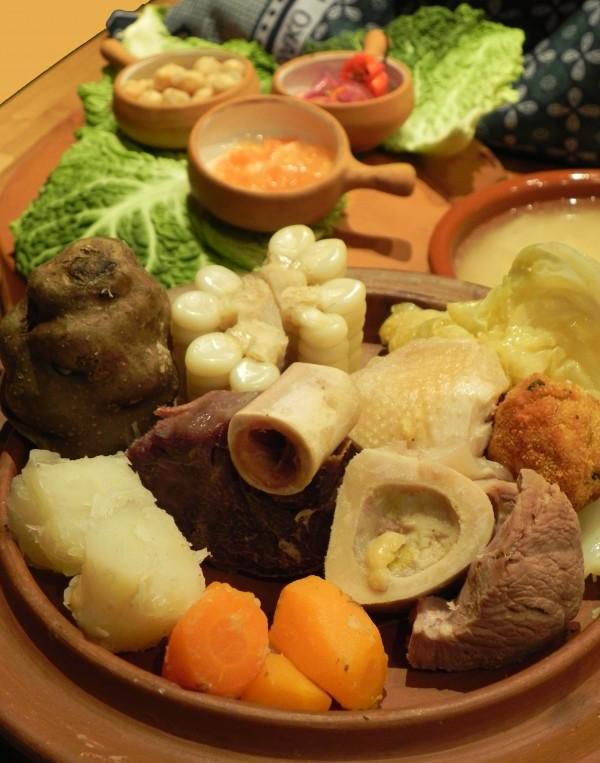 Sancochado peruano y cocido español: Sancocido.